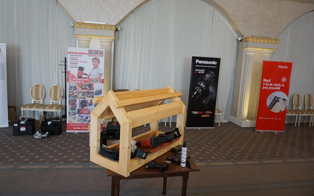 Demonstrații practice cu sculele Panasonic și Alsafix la seminariile tehnice Velux
